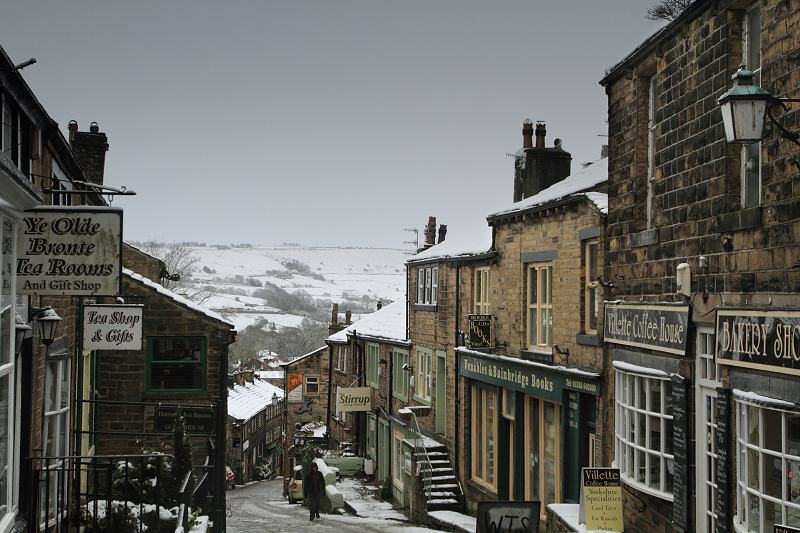 Haworth Main St in the snow