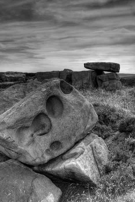 Alcomden stones