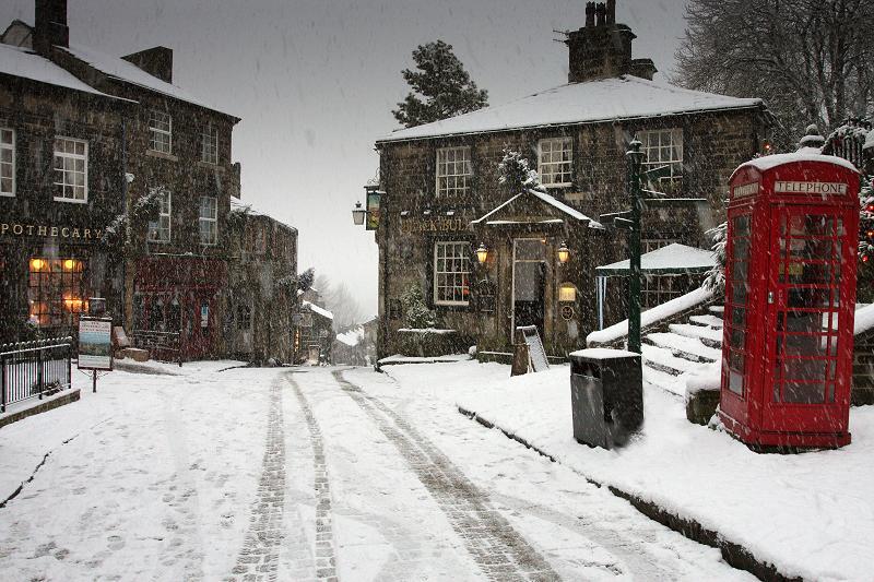Haworth Main St, snowing