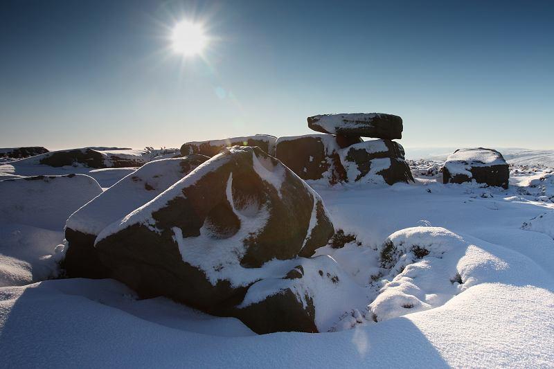 Alcomden stones - snow
