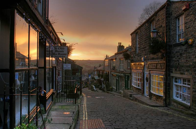 Haworth Main St, sunrise