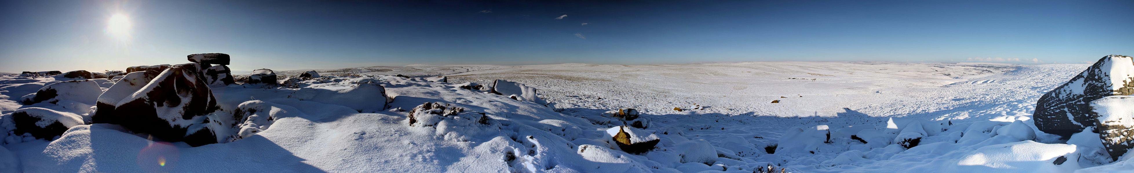 Alcomden stones - snow panorama