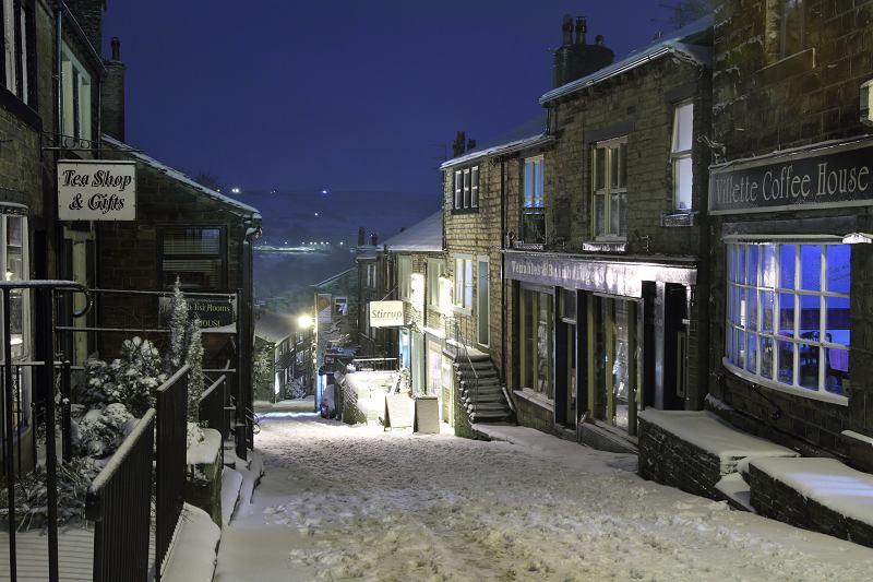 Haworth Main St snow at night