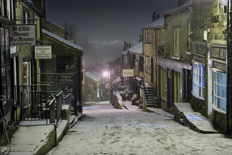 Haworth Main St at night