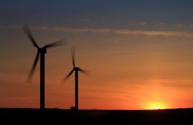Ovenden Wind farm turbines at sunset